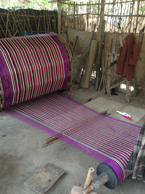 Basic looms to produce Fair Trade scarves